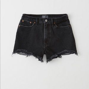 Abercrombie and Fitch high rise Annie short  25/0